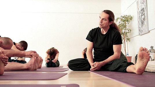 Leinad Bruderer enseignant de Yoga